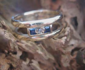metamorfose ring met saffier en diamant. by GEMH